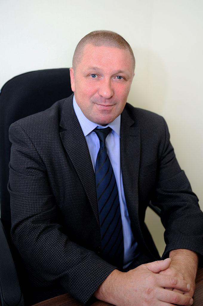 Заместитель руководителя отдела физической охраны  - Косарев Владимир