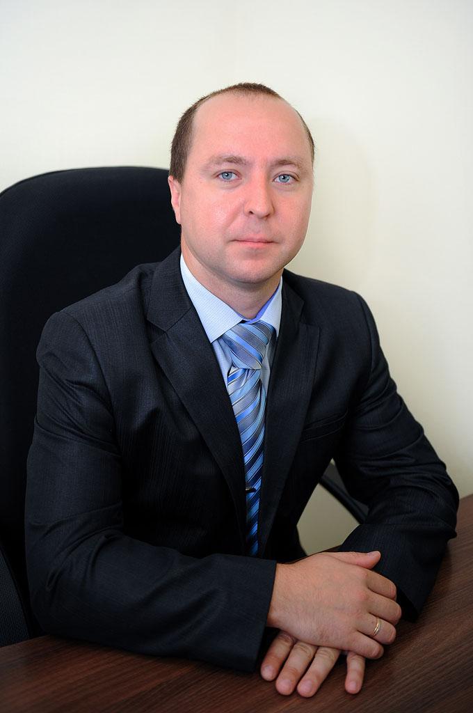 Руководитель отдела физической охраны  - Ходаков Олег